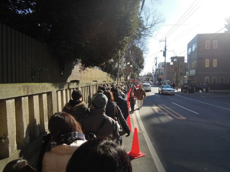 調神社 2014年 初詣 境内の外まで行列