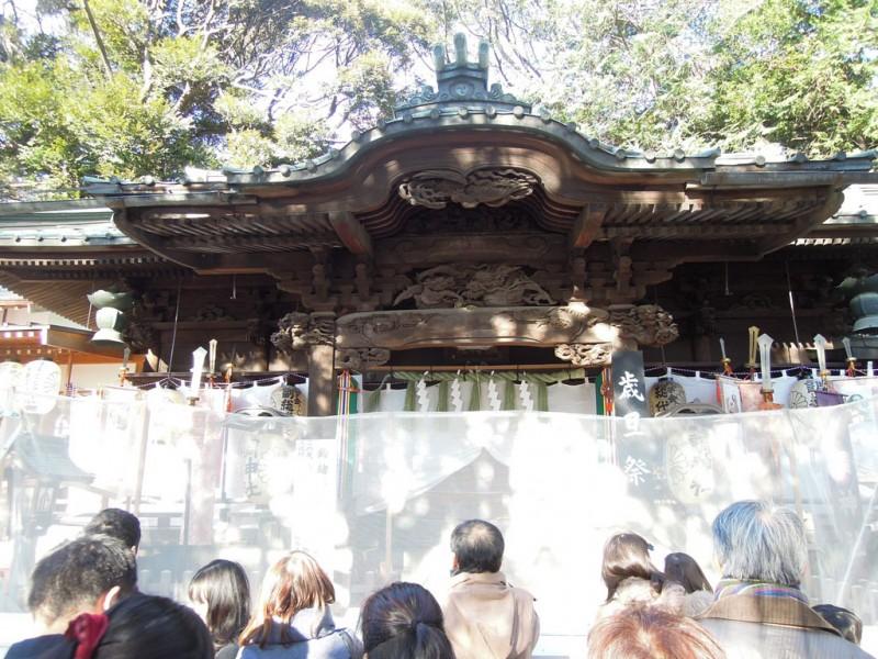 調神社 2014年 初詣 拝殿前