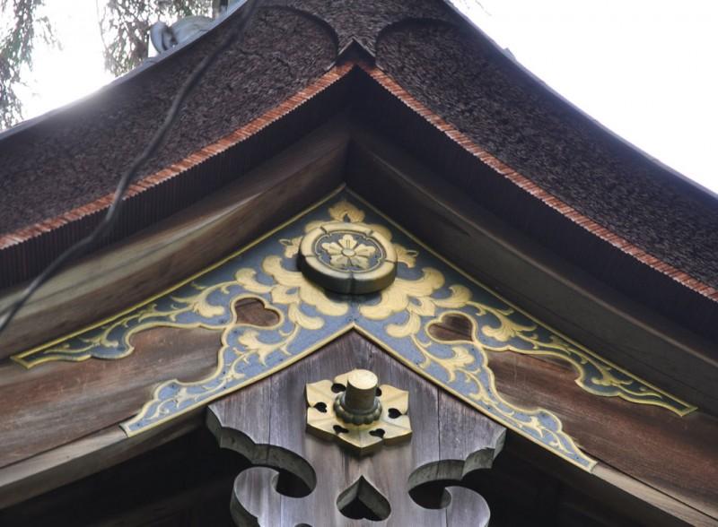 岡崎神社 拝殿 神紋