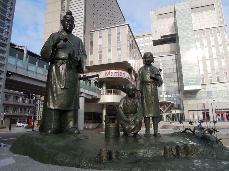高岡 銅像