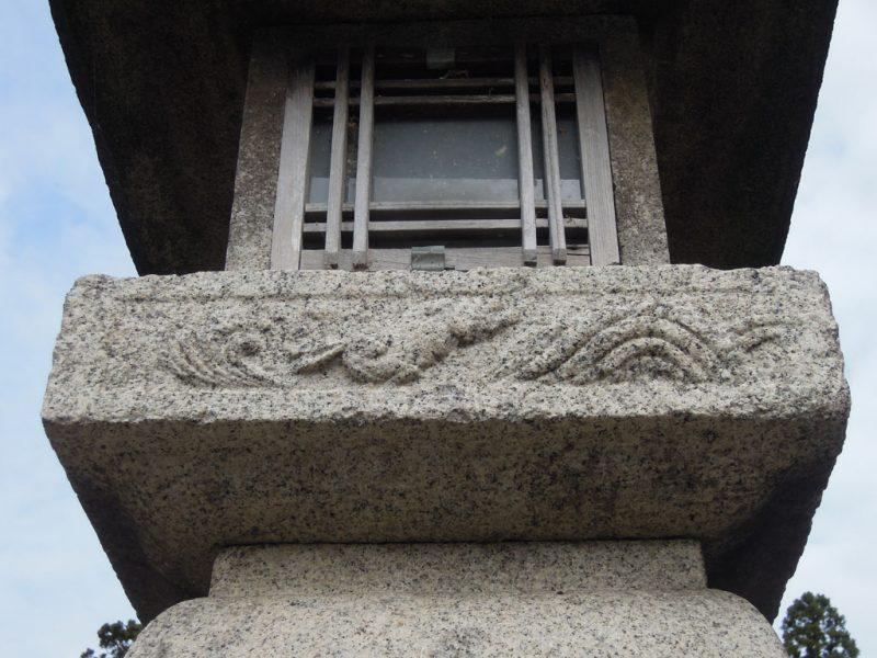 高瀬神社 境内灯籠 兎
