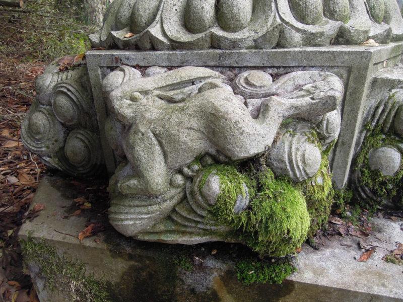 高瀬神社 石灯籠 兎