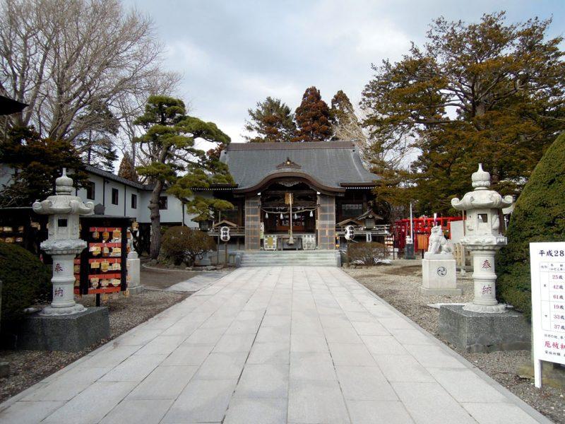 湯倉神社 境内
