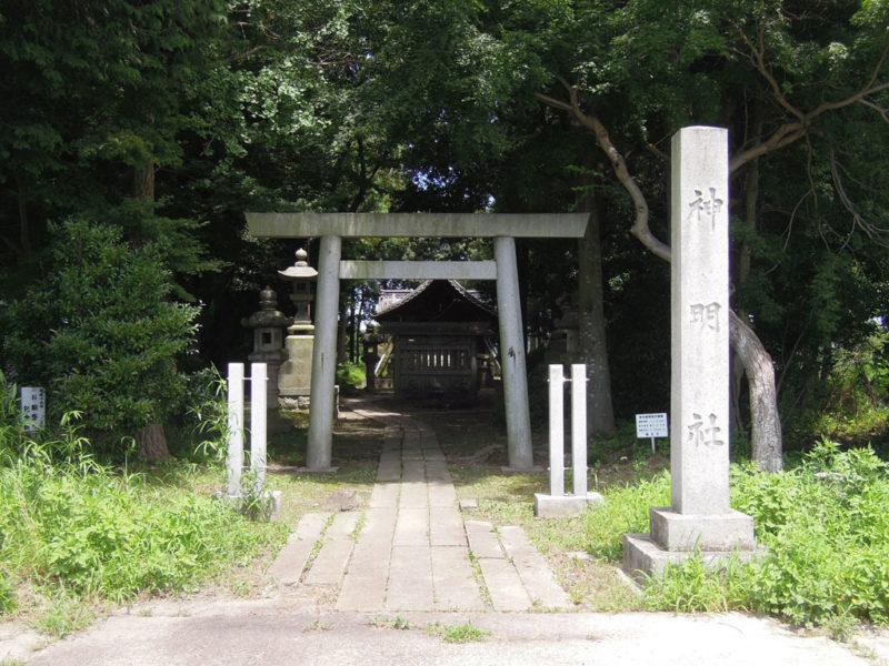 神明社 入り口