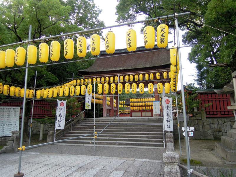 津島神社 門