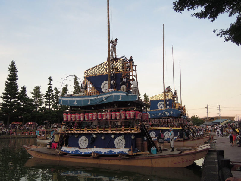 津島祭 まきわら船 準備