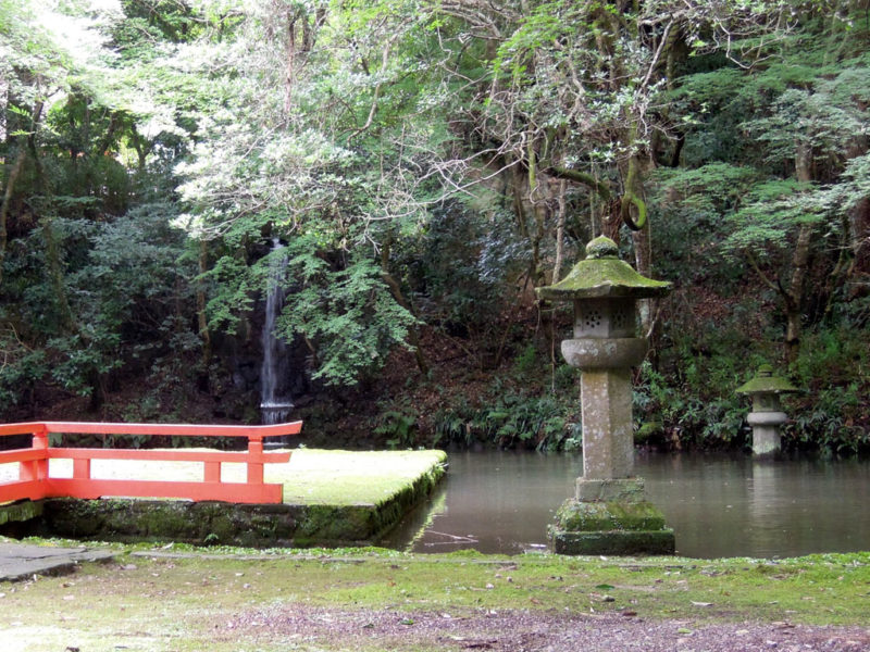 宇佐神宮 石灯籠