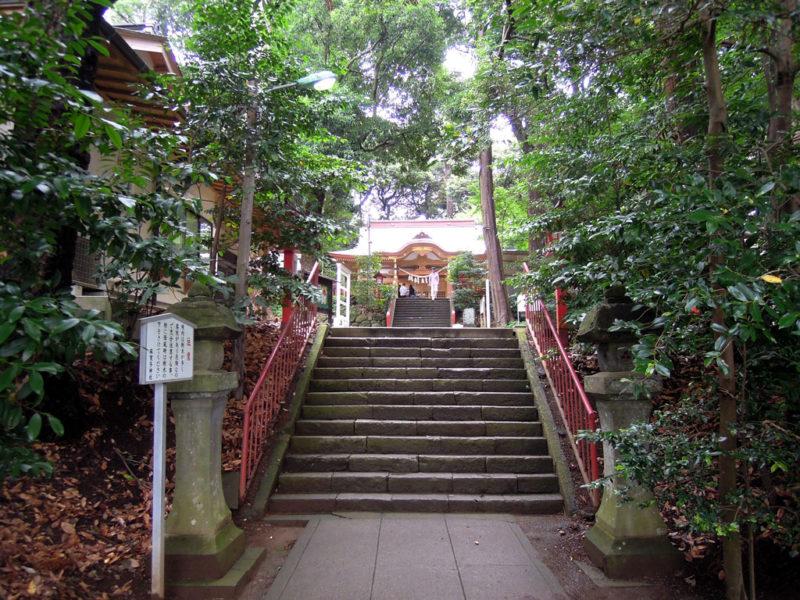 台方麻賀多神社 境内