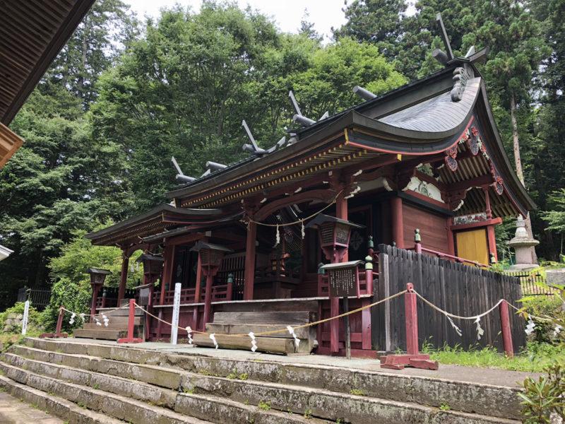 新海三社神社 西本社・中本社