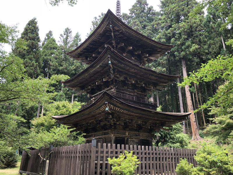 新海三社神社 三重塔