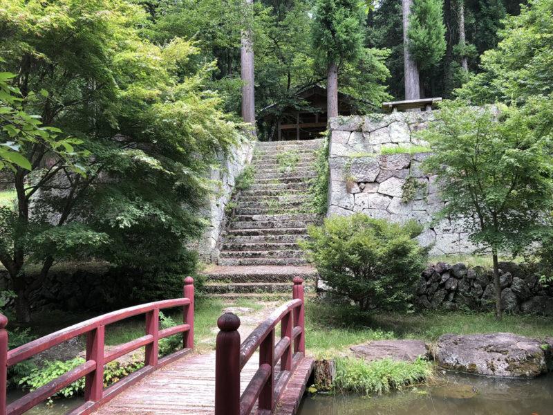 新海三社神社 奥宮