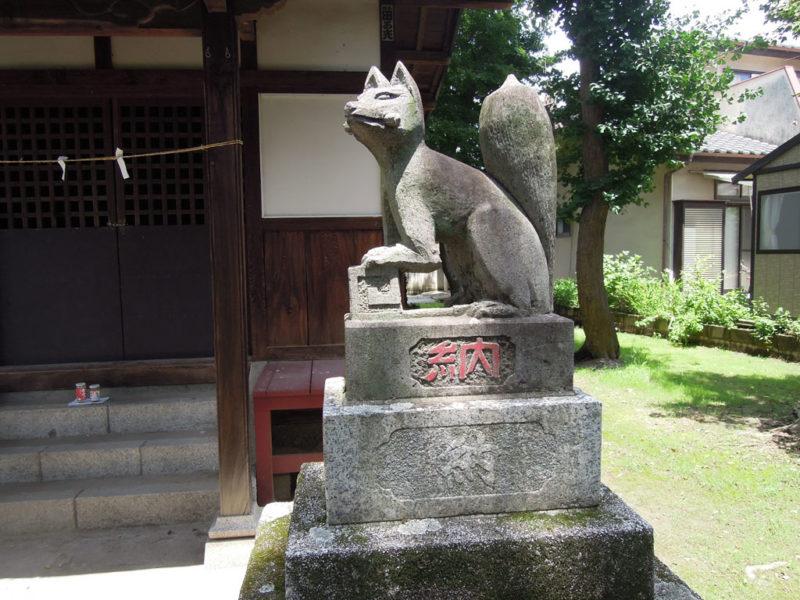 稲荷神社 (稲荷新田町) 神狐