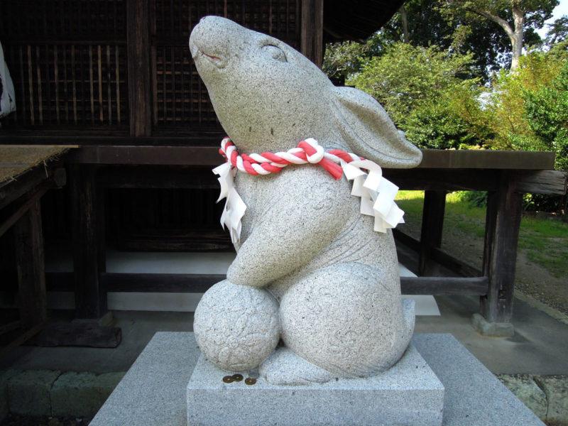 淡海國玉神社 狛兎 右
