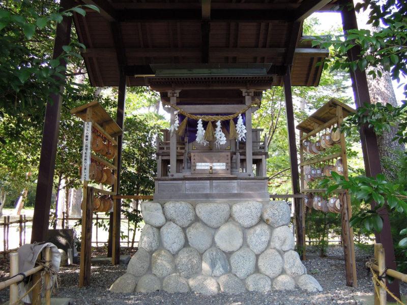 矢奈比賣神社 霊犬神社