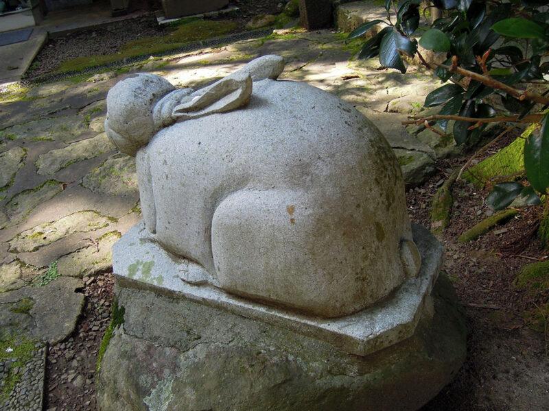 仙台 文殊堂 兎像