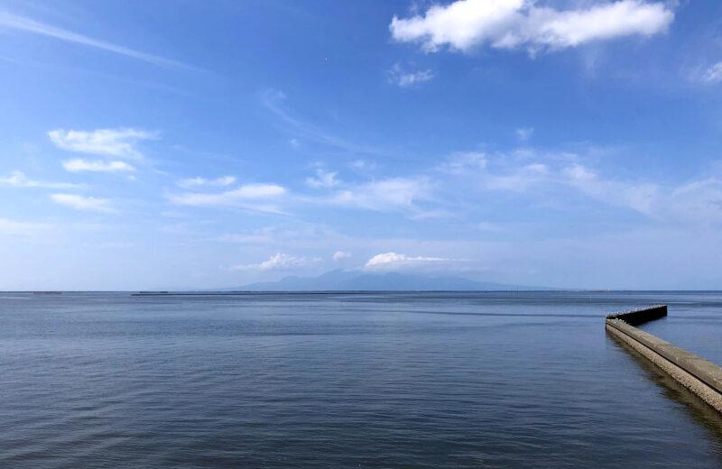 有明海から雲仙岳を望む